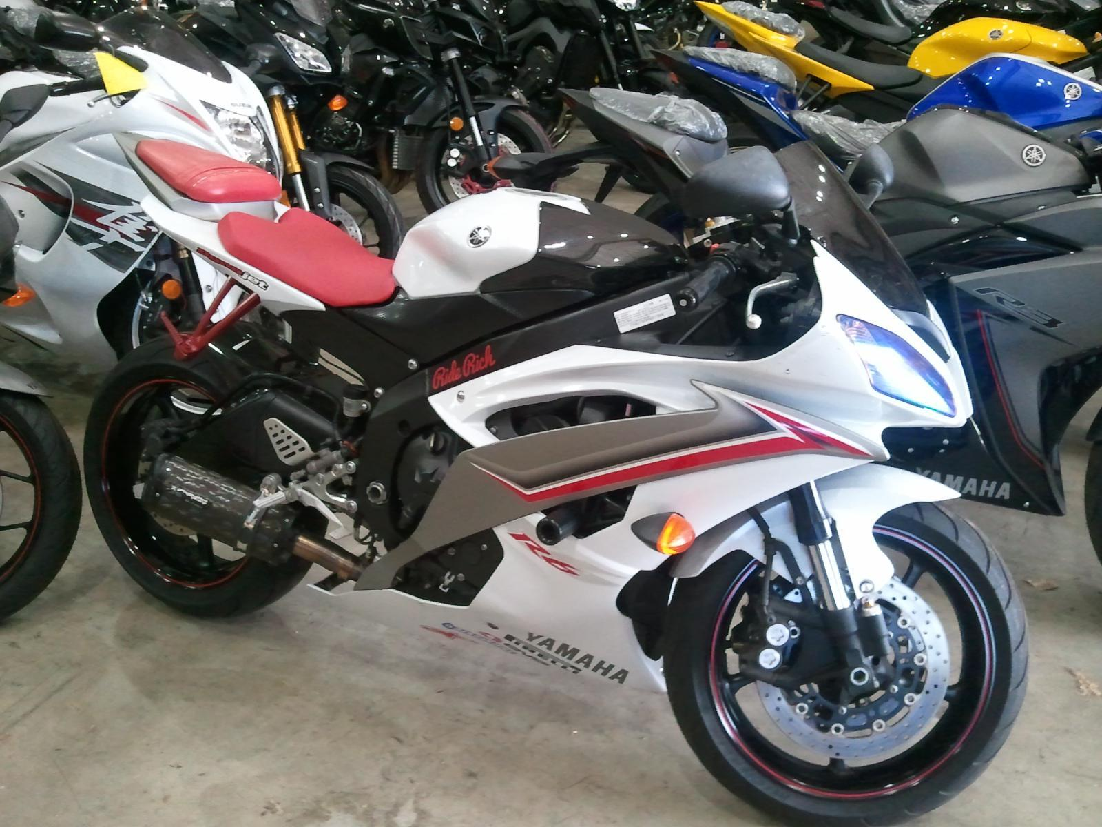 $5,999, 2009 Yamaha YZF-R6 Book Value $7070 Call for our price